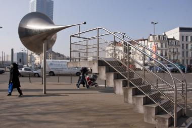 La pasionaria near of the Gare de midi - ©EAS - ADT
