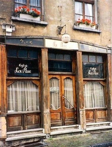 - ©Café de la Rue