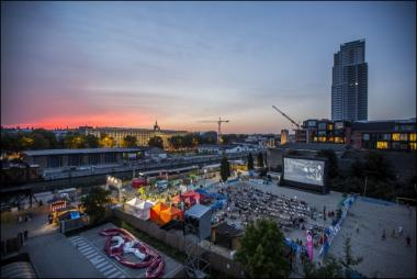Le canal sur grand écran à Bruxelles-les-Bains