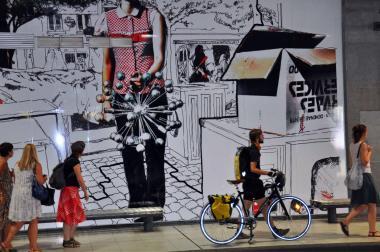 Nouveaux visuels sur les murs de la gare du Midi - ©EAS - ADT