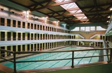 La piscine communale Victor Boin. - ©http://www.stgilles.irisnet.be