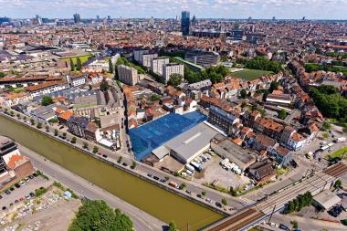 Luchtfoto van de site, met het stadscentrum op de achtergrond.  - ©sau-msi.brussels (Simon Schmitt - www.globalview.be)